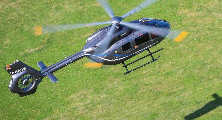 Airbus Helicopers H145 mit Fünfblattrotor.